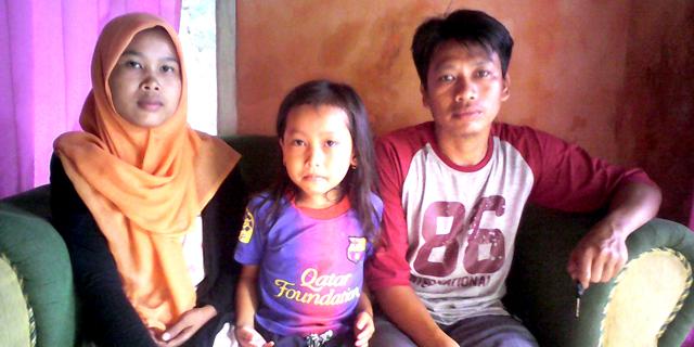 Samsuri dan keluarga (Foto: Hidar)