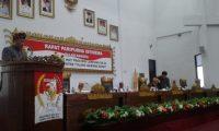 Rapat Paripurna HUT Lampung ke-54, Bupati Tubaba dan Jajaran Gunakan Pakaian Adat