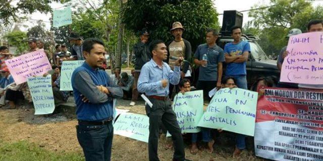 Ratusan Warga, Demo PN Menggala