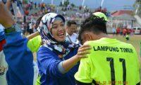 Chusnunia Apresiasi Perjuangan Atlit Lampung Timur Pada PORPROV 2017