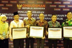 Pemprov Lampung Terima Penganugrahan Predikat Kepatuhan 2016