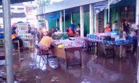 Pasar Takjil Tubaba Digenangi Air