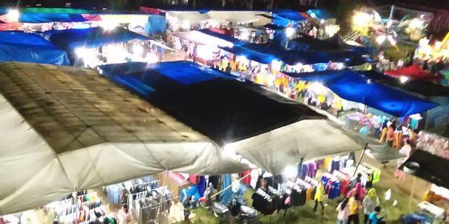 Warga Waytenong Dimanjakan Dengan Pasar malam