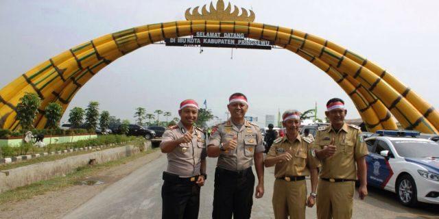 Kapolda Lampung Ambil Momentum Rangkaian HUT RI Ke-72 di Hamparan Sawah Pringsewu
