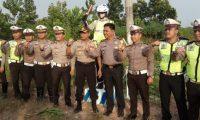 Kapolres Beserta Jajaran Pasang Patung Polisi di Ruas JALINTIM Rawan Kecelakaan