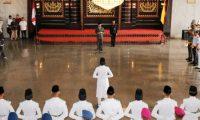 Wagub Bachtiar Basri Kukuhkan 33 Anggota Paskibraka Lampung
