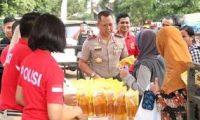Kapolda Lampung Gelar Pasar Murah Di Lampung Timur.