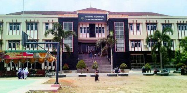"""Di Demo Mahasiswanya, Rektorat IAIN Metro """"Pasang Badan"""""""