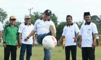 Ini Gaya Sekda Lampung Timur Main Bola