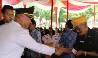 HUT RI 72, 25 Anggota LVRI Cabang Lampung Barat Terima Insentiv dari Bupati